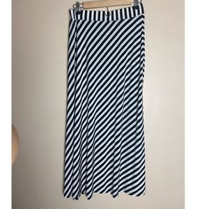 XL Stripes Maxi-Skirt